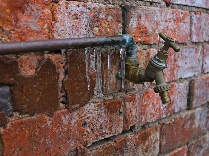 Frozen water pipes, what to do
